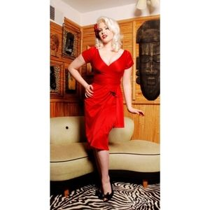 Pinup Couture Ava dress wiggle Pencil satin
